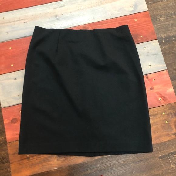 J. Jill Dresses & Skirts - 🎉3/$35 J.Jill Classic Black Skirt
